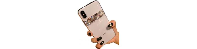 Csillogós, strasszos kövekkel kirakott szilikon tok iPhone XS MAX-ra minta 2